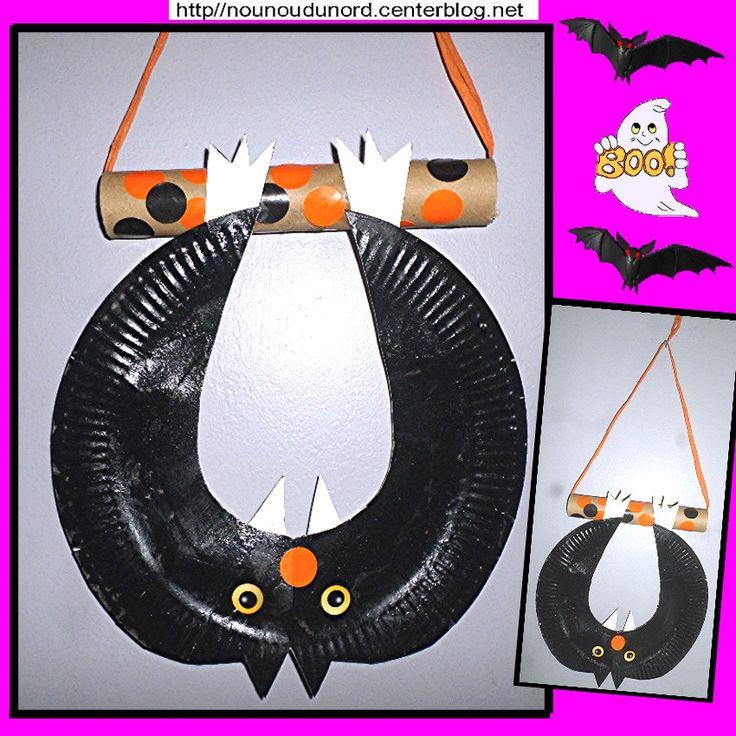 chauve-souris suspendue réalisée avec une assiette en carton http://nounoudunord.centerblog.net/4541-chauve-souris-suspendue-avec-une-assiette-en-carton