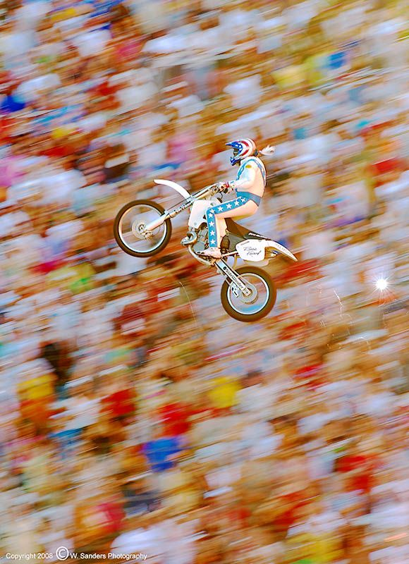 Kaptain Robbie Kneivel: Photo by Photographer Wes Sanders
