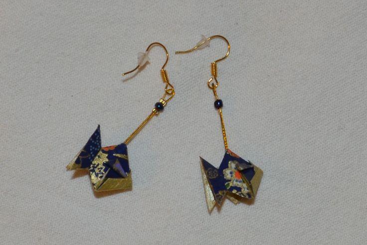 Boucles d'oreilles en origami Made in les petites cocottehttps://www.facebook.com/petites.cocottess. Face book: