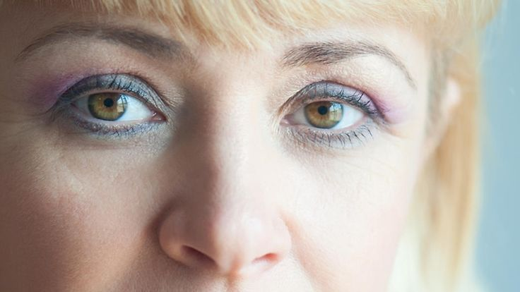 Aikuinen nainen, älä tee tätä virhettä luomivärin kanssa – saa luomesi näyttämään raskailta http://www.mtv.fi/teemasivut/kauneusvinkit/meikit/artikkeli/aikuinen-nainen-ala-tee-tata-virhetta-luomivarin-kanssa-saa-luomesi-nayttamaan-raskailta/5598978