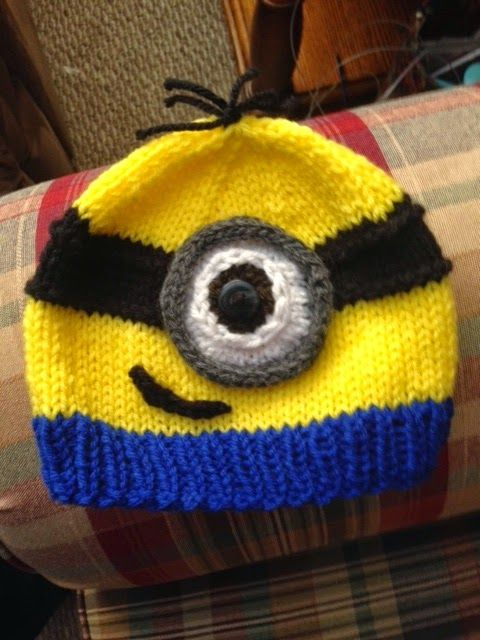 Kriskrafter: Free Knitting Pattern! A Minion Hat - need to resize - boys would love this!!