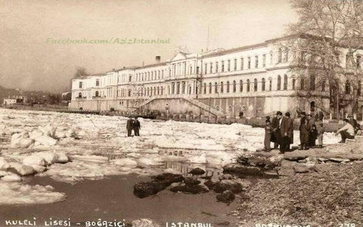 Kuleli Askeri Lisesi Önü 1954 Kışından...