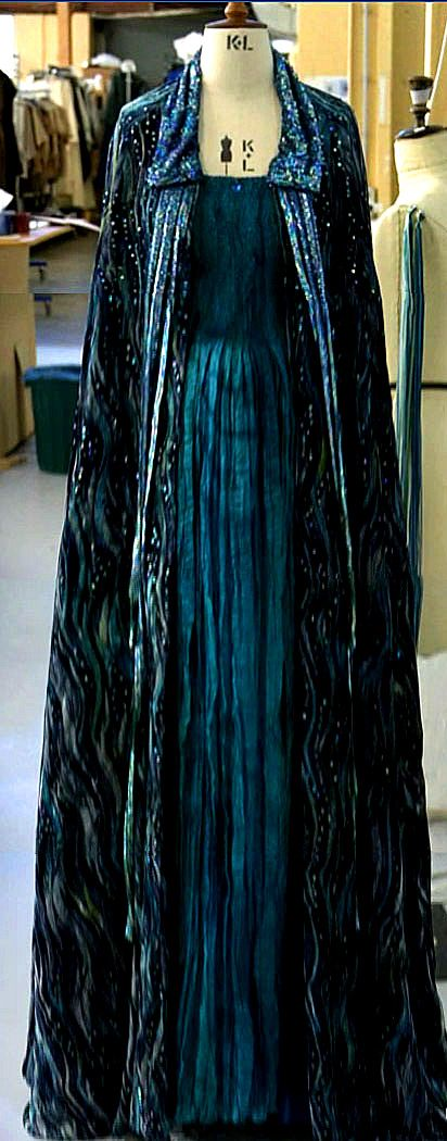This is Padme's funeral gown nicknamed the Water gown. It is meant to resemble the lakes of Naboo which Padme loved so much. I love this dress