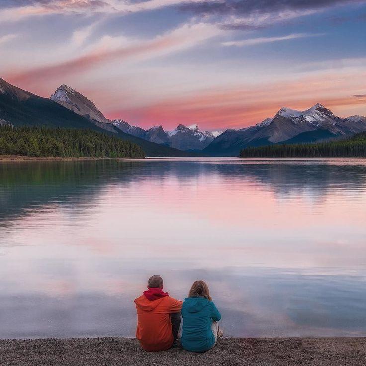 Maligne Lake | Jasper National Park | Canadian Rockies | Alberta Canada.  Скалистые Горы Канады.  Здесь каждое следующее озеро не похоже на предыдущее cо своей капризной погодой своим характером и настроением и неповторимым закатом.  #Maligne Lake #travelalberta #ExploreCanada #RememberToBreath #инстаграмнедели