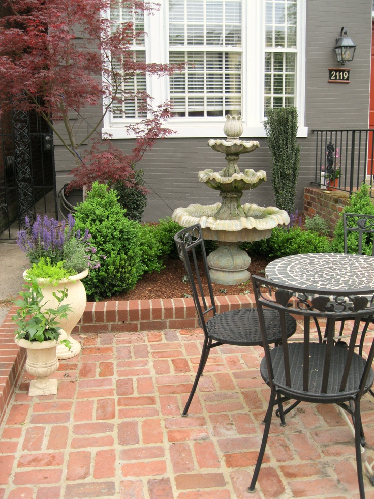 The 25+ best Townhouse landscaping ideas on Pinterest ... on Townhouse Patio Design Ideas id=28845