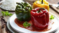 Plnené papriky v paradajkovej omáčke