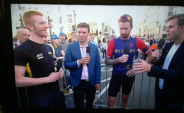 Ed Clancy Yanto Barker Wiggo and Barbet after the race... ToGB