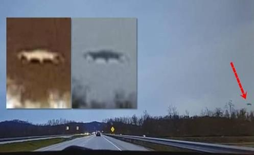 UFO pego se Materializando em auto estrada? Capturado com câmera dashcam