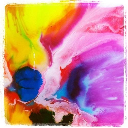 Megan Weston paints for #JenniferHawkins