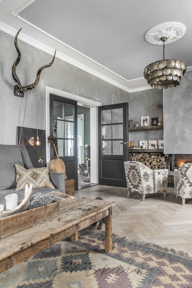 L'Authentique Paints & Interior lime paint in the color 59- Beton. Picture taken by @paulinaarcklin