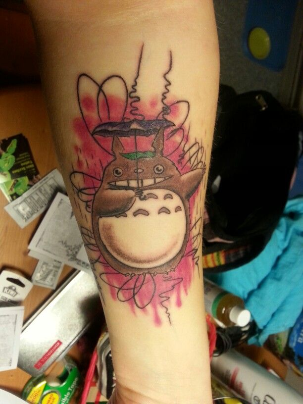 39 best images about totoro on pinterest first tattoo princess mononoke tattoo and cartoon. Black Bedroom Furniture Sets. Home Design Ideas