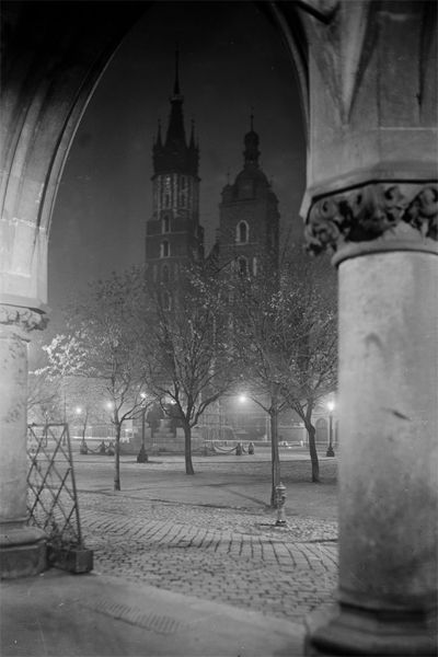St. Mary's Basilica by night. Cracow, year 1935.