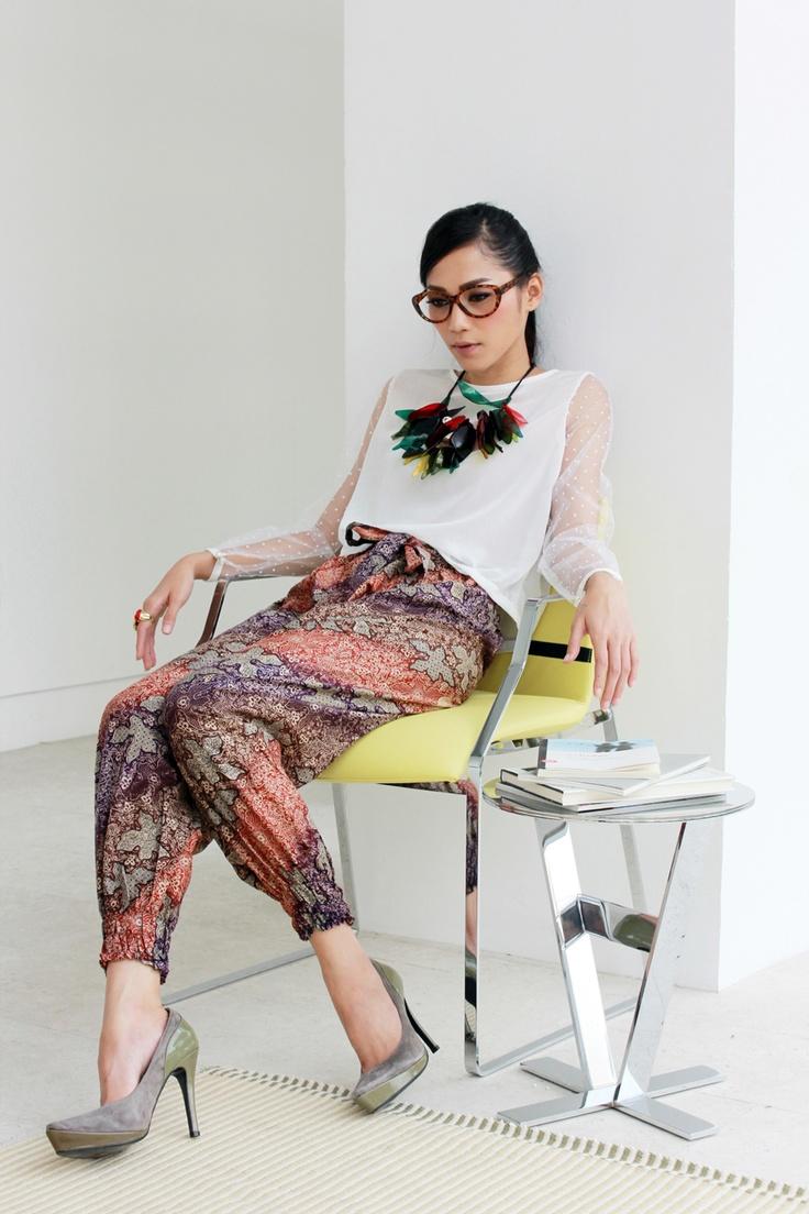 Ethnic Chic | photography Notosuryo Prabowo | styling Trisha Dharmono |  model Antie Damayanti