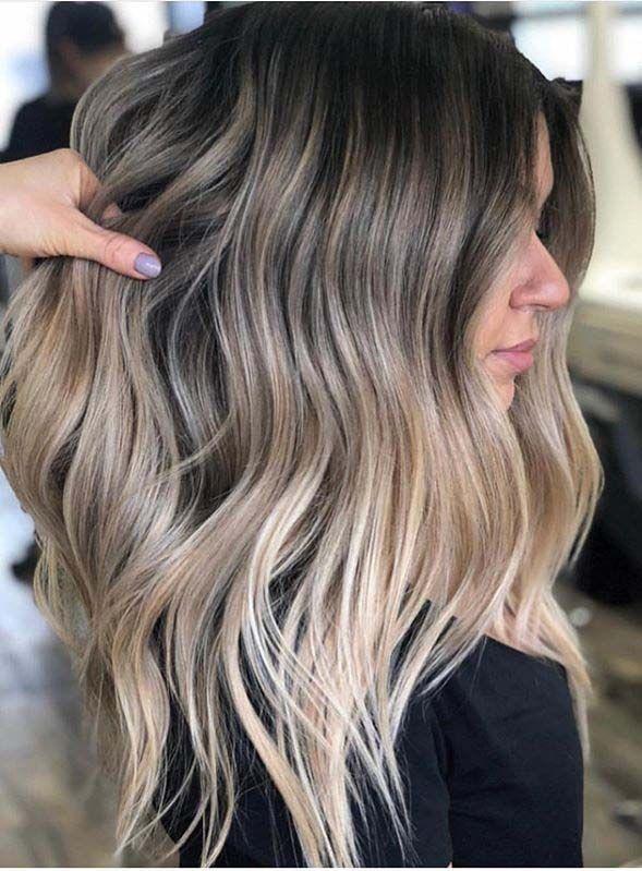 Gorgeous Balayage Hair Color Ideas With Dark Roots In 2020 In 2020 Beige Blonde Hair Dark Roots Blonde Hair Blonde Hair With Roots