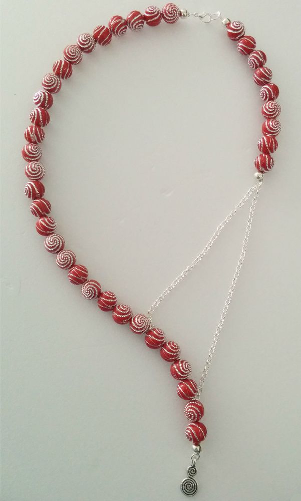 Red sparkly necklace £7.99