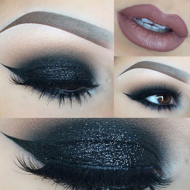 Amo los glitter negros en los ojos.