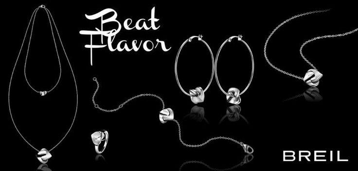 Il cuore è il protagonista della collezione #BeatFlavor. Puoi scegliere tra girocollo e collana doppia da abbinare agli orecchini, al braccialetto o all' anello. Tutto questo anche con trattamento IP Gold