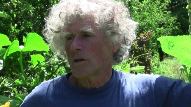 """(See also in English, below). Ce film a été conçu par Philip et son ami réalisateur Chris Lunch. Philip tient à décrire cette méthode en termes de """"jardinage..."""