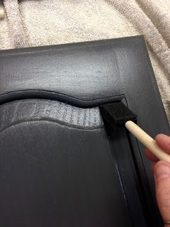 Wilker Dos: Using Chalk Paint to Refinish Kitchen Cabinets (awesome blog tutorial)  Starting this weekend!
