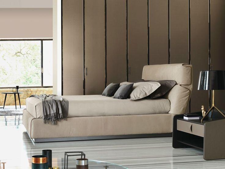 Double bed GENTLEMAN   Bed with high headboard - Flou
