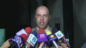 VIDEO: Esteban Loaiza reveló muchos secretos, uno es que quiere entrar al mundo de la música - http://articleinquiry.com/current-affairs/video-esteban-loaiza-revelo-muchos-secretos-uno-es-que-quiere-entrar-al-mundo-de-la-musica/