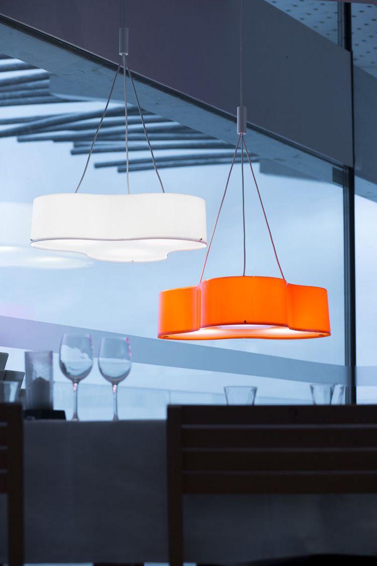 Kera Interior Triple-riippuvalaisin on saatavilla myös pirteän oranssina.  http://www.valotorni.fi/product/11985/triple-valaisin-oranssi-600mm