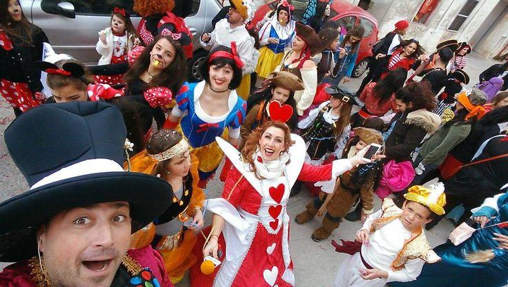 Καρναβάλι στη Σύρο και πάντα υπάρχει κρυμμένο κάπου εκεί και ένα παραμύθι!!!!!! Disneyland το παραμύθι που ονειρεύεται να ζήσει κάθε παιδί απο την ομάδα bella dance!!!!  (φωτό Γιώργος Ρούσσος)
