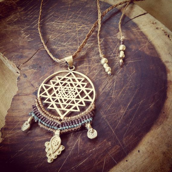 Flower of life necklace with macrame by PrimitiveTribalCraft
