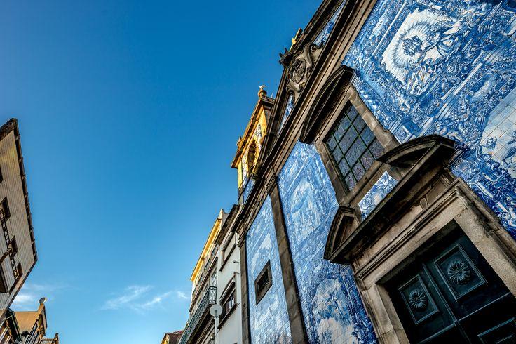 Capela Das Almas - XVIII century catolic church decorated with azulejo tilework. Porto, Portugal.