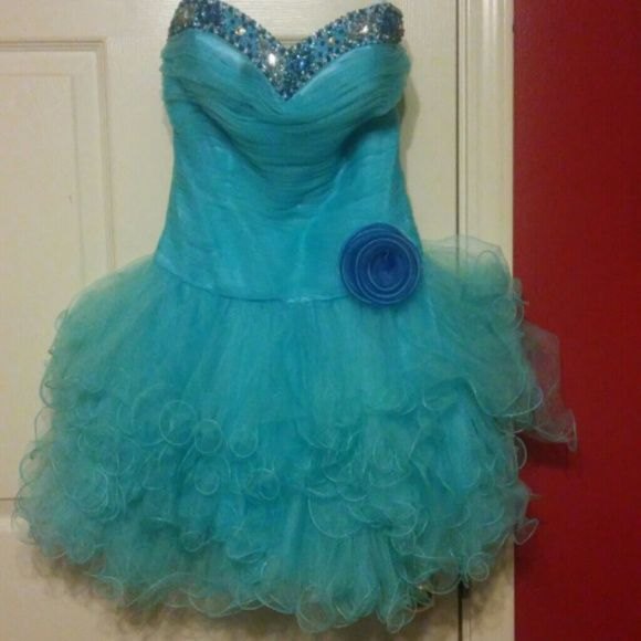Beautiful Aqua Party Dress It's only been worn once. Absolutely stunning. Perfect for parties, homecoming, etc. Says size Small. It fits size 1/2 or 2. ADDA Dresses