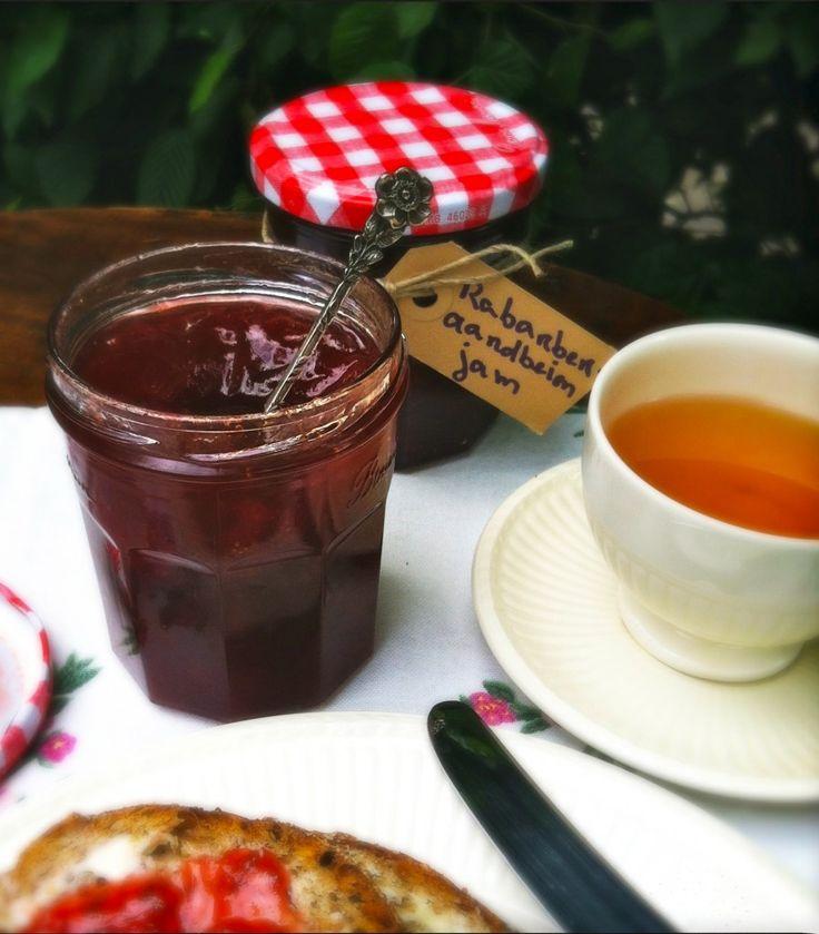 Rhubarb-strawberry jam http://madebyellen.com/homemade-rabarber-aardbeien-jam/