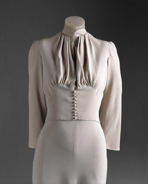Duchess of Windsor wedding dress, Mainbocher silk, 1937 (front detail)