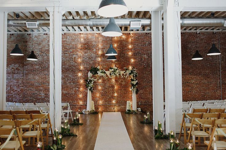 Modern wedding at The Unique Space in Downtown Los Angeles