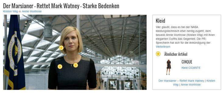 Wer glaubt, dass es bei der NASA kleidungstechnisch eher nerdig zugeht, dem beweist Annie Montrose (Kristen Wiig) mit ihren eleganten Outfits das Gegenteil. Die PR-Sprecherin hat sich für die Ankündigung der Rettungsmission für den verschollenen Mark Watney (Matt Damon) in ein schickes, schwarzes Etuikleid mit ¾-Arm und einem dezenten Rundhalsausschnitt geworfen. Das Kleid sitzt wie eine zweite Haut, sodass ihre Figur optimal betont wird.