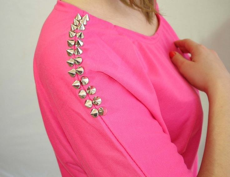 Hot pink spiked top www.meunique.gr