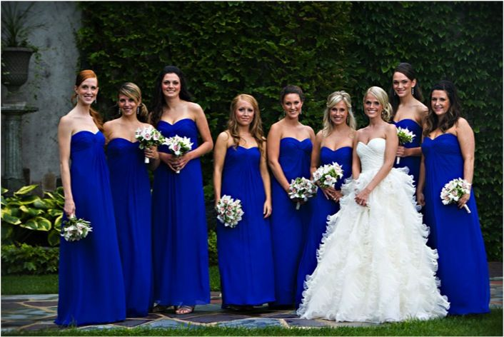 Lovely shade of blue bridesmaid dresses certainly make the bride shine