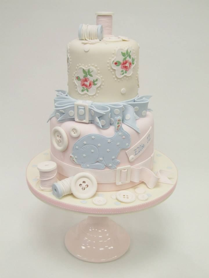 Emma Jayne Cake Design Added 131 New Photos To The Al Tiered Cakes With Martine Mcateer And Breeda Sandilands