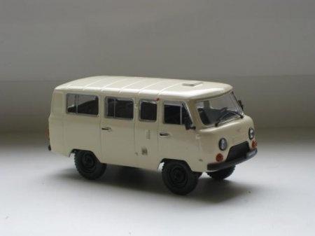 Soviet toy car. Looks like a police van. Игрушки родом из СССР.