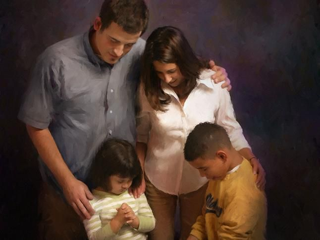 100 Imagenes Cristianas Sobre La Familia Unidas En Oracion En 2021 Familia Orando Biblia Vida Familias Cristianas