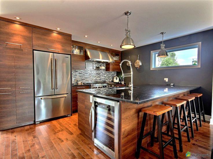 Maison vendre ste doroth e 727 chemin du bord de l 39 eau for Armoires cuisine quebec