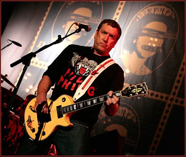 3 de septiembre – Hoy celebramos el 60 cumpleaños de Steve Jones reconocido mundialmente por ser co-fundador de Sex Pistols