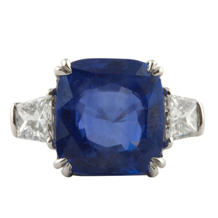 Sapphire ring! Wow! Non traditional engagement ring :)