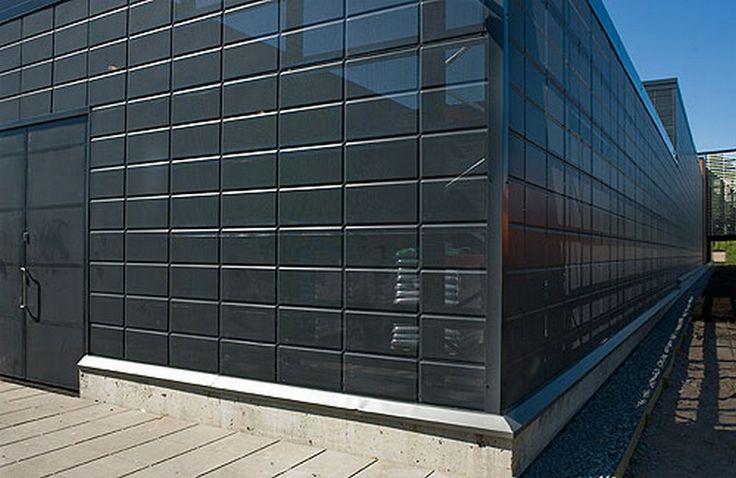 Concertto - инновационная система для устройства навесных вентилируемых фасадов от компании Metehe Oy (Финляндия), в которой сочетаются лучшие свойства фасадных кассет и профилированного листа. Особенностью системы является то, что на одном фасадном листе MTH Concertto размещается несколько бесшовных текстурных модулей (клеток) квадратной или прямоугольной формы. Ширина клеток в различных вариантах стандартна (300, 400, 600, 1200 мм), а длина может подбираться в пределах