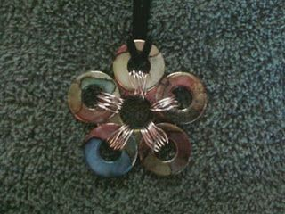 """LOCKING WASHER NECKLACE TUTORIAL....lots of """"washer"""" ideas..all seem easy: Mcgrath Homemade, Jewelry Making, Alcohol Ink, Washer Necklace, Craft Tutorials, Homemade Crafts, Multi Colored Flower, Flower Washer, Ronnie Mcgrath"""