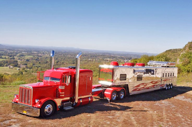 red+peterbuilt+pulling+horse+trailer | Keith Everett's Peterbilt and Trailer | American Rigs on Location