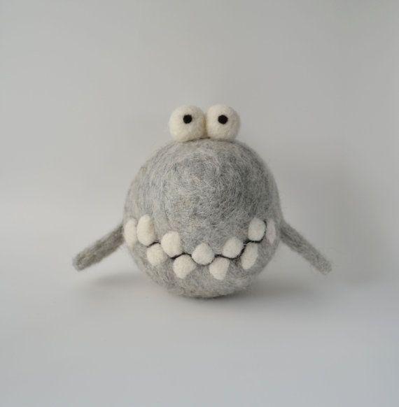 Naald vilten grijze haai, wol sculptuur, zachte knuffel, decoratief, Baby cadeau, verjaardag geschenk, sieraad, schattige dier, tekenfilm