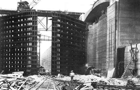 Miraflores Lock Doors Construction 1913.
