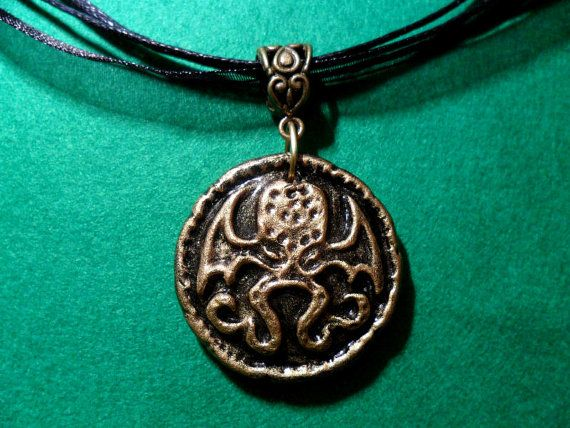 Cthulhu medallion necklace - handmade hp lovecraft gothic horror. £15.99, via Etsy. THIS IS THE BEST THING EVER.