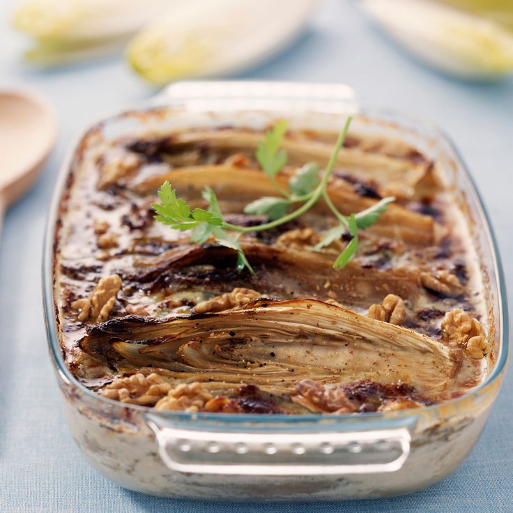 Découvrez la recette du gratin d'endives au four sauce au roquefort