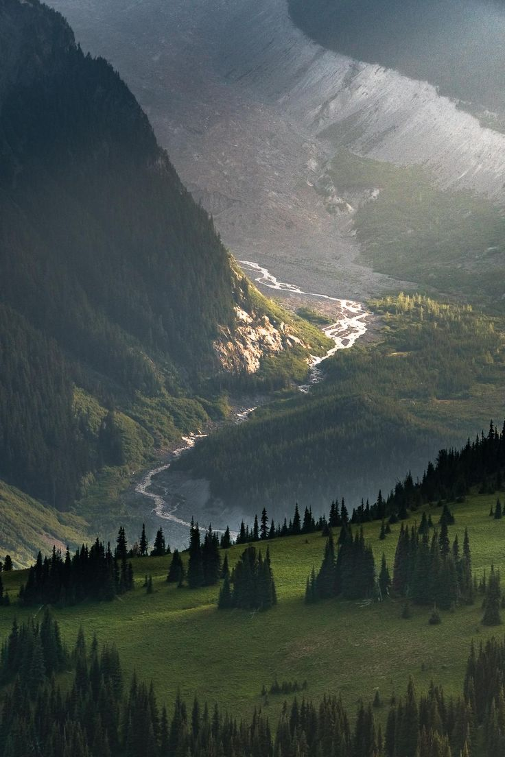 The last light of day illuminates the White River on Mount Rainier [1333×2000]